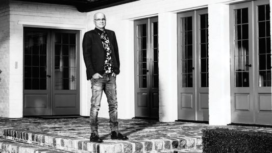 Jimmy Iovine denies he's leaving Apple, says he wants to make streaming 'more interesting'