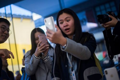 Qualcomm says a Chinese court has banned sales of older iPhones nationwide