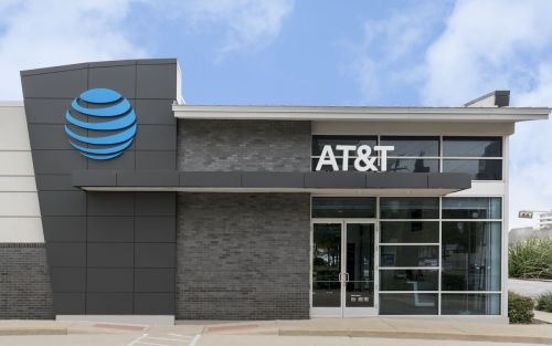 AT&T completes $80bn Time Warner takeover