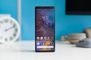 Official Sony Xperia 1 pre-orders will come with free wireless noise-canceling headphones