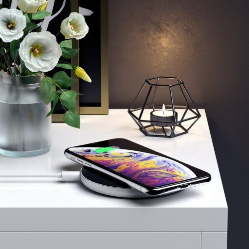 Power your new smartphone with this wireless charger from Satechi