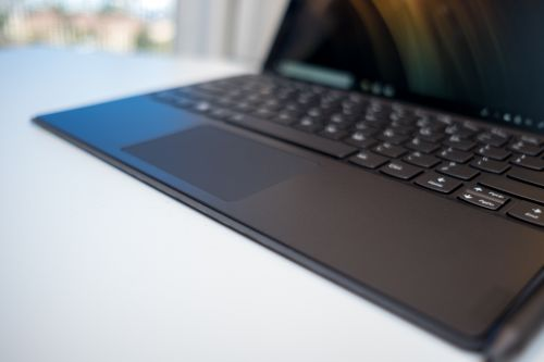 Future Lenovo 2-in-1 laptop could one-up MacBook Pro's Touch Bar