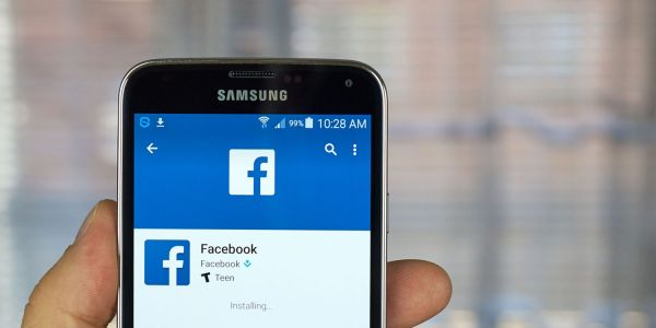 Facebook denies it ordered execs to use Android phones to hit back at Apple