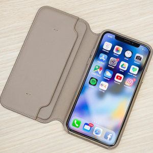 Apple should stop making iPhone cases
