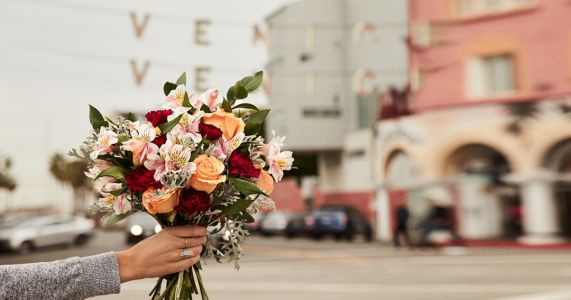 The best online Valentine's Day flower delivery services: rose prices and more compared